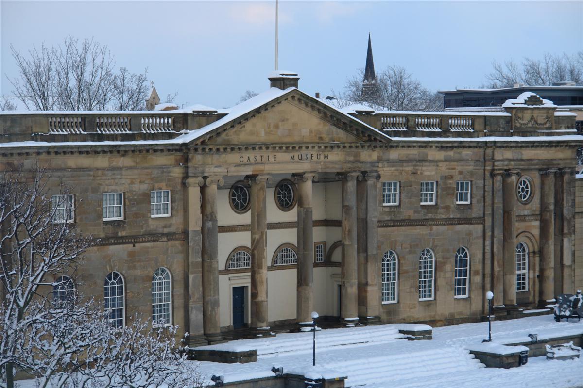 Monumental eificio del Museo del Castillo de York. York, magia e historia tras la nieve - 5272927255 4cc38bf2b9 o - York, magia e historia tras la nieve