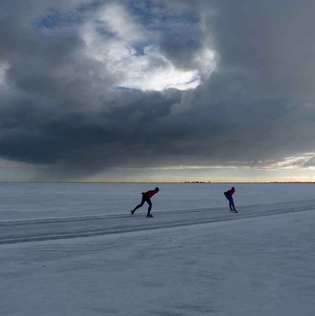 Skating between hail and sunshine at the gouwzee