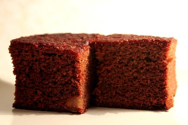 Light Gingerbread Cake Recipe