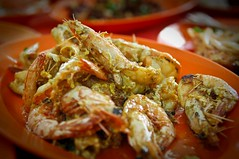 soft-shell crab(0.0), shrimp(1.0), meal(1.0), dendrobranchiata(1.0), caridean shrimp(1.0), fried prawn(1.0), fish(1.0), seafood(1.0), invertebrate(1.0), food(1.0), scampi(1.0), dish(1.0), cuisine(1.0),