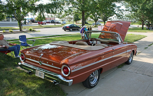 1963 Ford Falcon Futura Convertible (6 of 7)