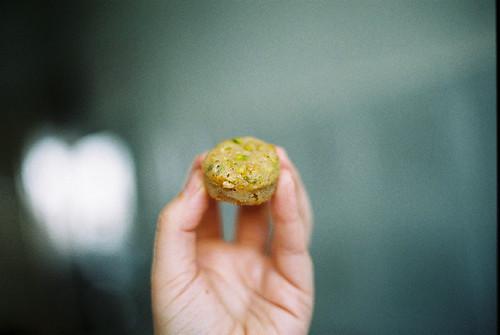 mini-pistachio-whitechocoalte-halva-oatmeal muffin