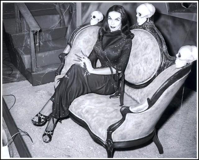 "Maila Nurmi as ""Vampira"""