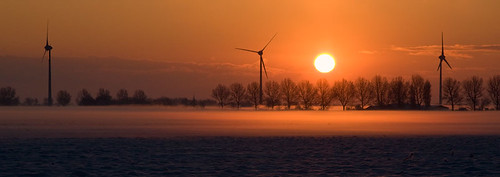 winter sky panorama orange cloud sun sunlight mist snow holland windmill fog clouds sunrise canon landscape nederland thenetherlands windmills orangesky sunreflection noordholland northholland warmenhuizen orangesnow canoneos40d harenkarspel canon40d perfectsunsetssunrisesandskys klaracolor