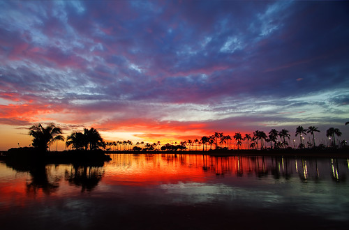 sunset night hawaii cloudy waikiki oahu lagoon greatphotographers hawaiinovdec2010