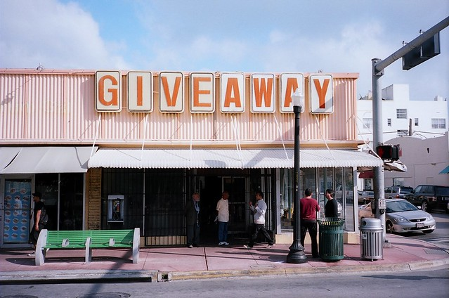 Giveaway Store South Beach