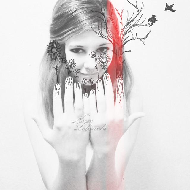 37/365 Ella no vivía en el bosque, era parte de él.