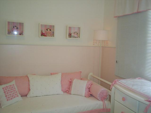 Quarto de bebe menina rosa com detalhes nos quadros com  ~ Quarto Rosa Para Bebe