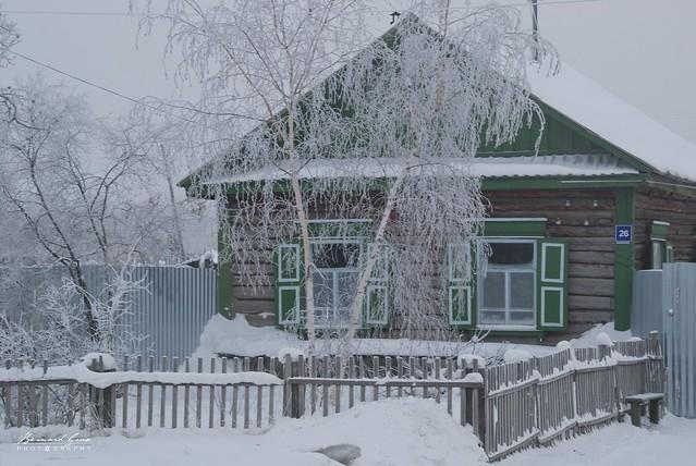 Maison givrée par -50°C au début de la route de la Kolyma - Iakoutsk, Sibérie, Russie © Bernard Grua 2010
