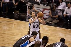 Spurs-Magic076
