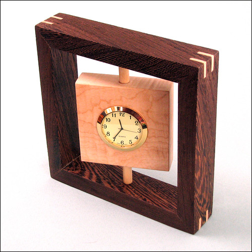 Swiveling Desk Clock