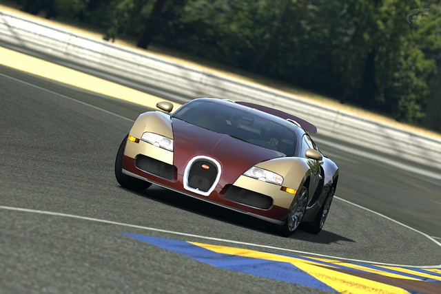 bugatti veyron le mans at mulsanne corner by bjmullan flickr photo. Black Bedroom Furniture Sets. Home Design Ideas