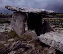Poulnabrone dolmen – Irsko před 5500 lety