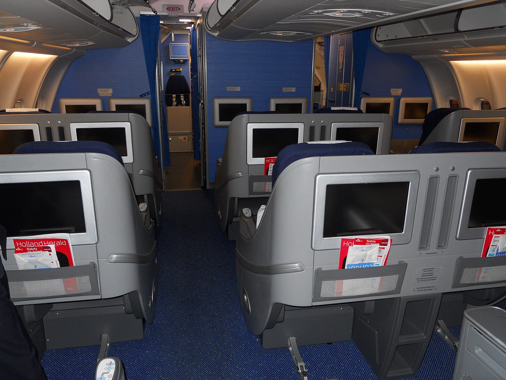 Airbus Industrie A330 200 Business Class Seats