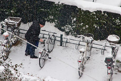 Snow Brushing - Cycling in Winter in Copenhagen