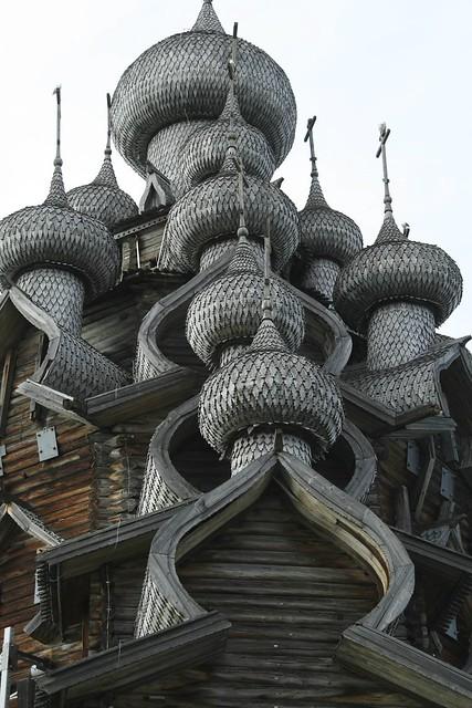 キジ島の木造教会の上部