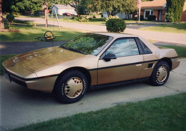 1986 Pontiac Fiero 2m4 (1G2PM37R7GP225501)