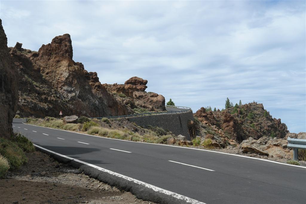 Qué hacer en Tenerife : Dedo de dios y el Teide al fondo qué hacer en tenerife - 5434487276 df15428247 b - Qué hacer en Tenerife para tener unas vacaciones completas