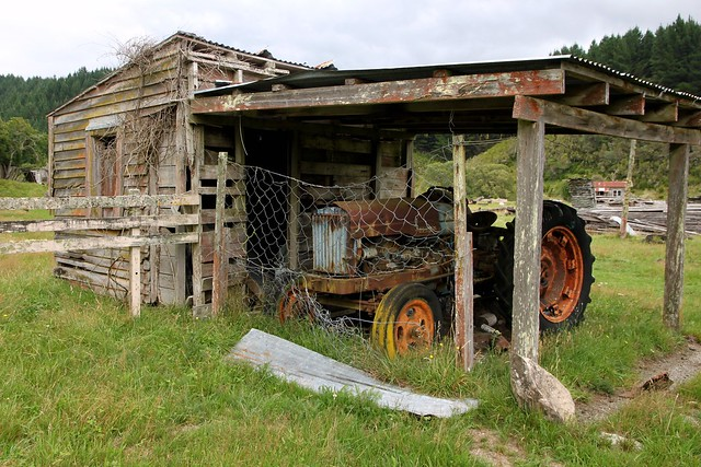 The Tractors Antique Tractor Shed : Old shed and tractor endeans mill manawatu new