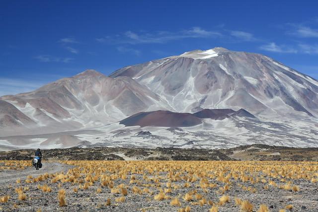 Cycling to Incahuasi (6,641m)