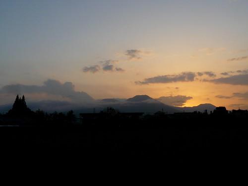 sunset mountains japan volcano miyazaki february dld kirishima 2011 shinmoedake