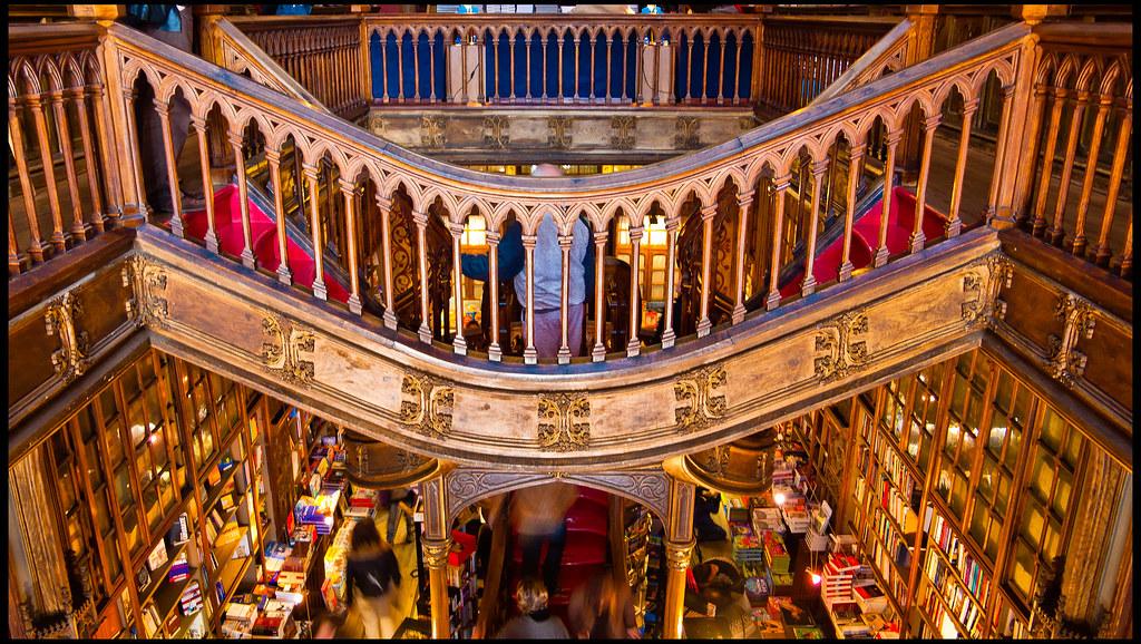 Interior de la librería Lello