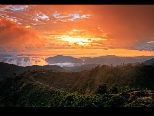 mountain sunrise canon landscape dawn malaysia 1855mm gunung matahari gentinghighlands subuh 1000d mygearandme mygearandmepremium mygearandmebronze mygearandmesilver mygearandmegold