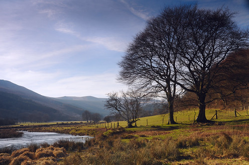 park blue trees sunset sky lake mountains beach wales pen reflections river fan corn rocks sheep y stones south peak national fields farms welsh brecon beacons livestock penyfan ddu reservior llyn fach talybont ystradfellte fawr neuadd