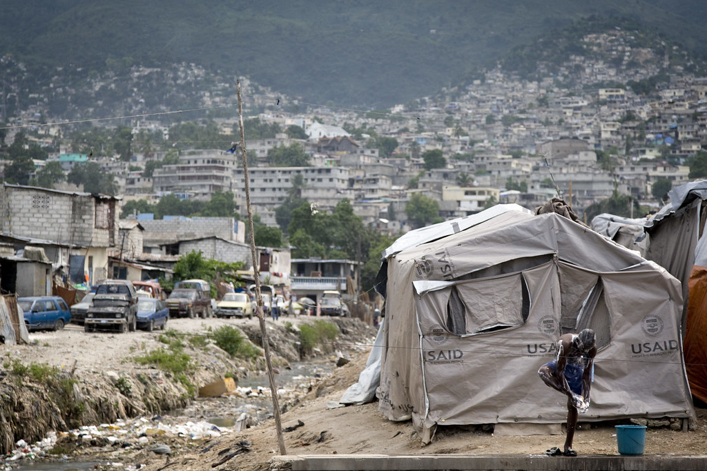 Post-quake Haitians of Cité L'Eternel Live in Tents