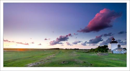 sunset lighthouse clouds zeiss golden sony hour normandie alpha dslr paysage normandy phare bassenormandie variosonnar agon a900 1635mmf28 alpha900 sonydslra900 mlux maciejbmarkiewicz landscapelu gettyimagesbeneluxq1 49°0974n1°343796w