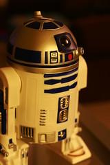 3.20 - R2 D2