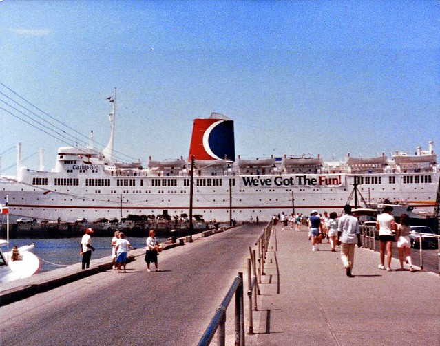 Carnival Cruise Line Ship The Canivalle It Was An Old