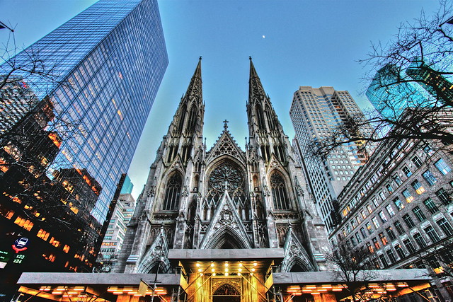 St Patrick's Cathedral - 5th Avenue