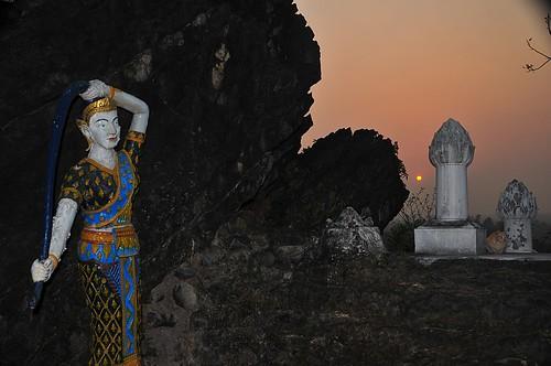sunrise lao luangprabang