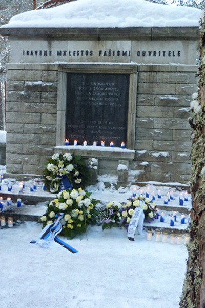 Remembering the Holocaust at Klooga on January 27, 2011