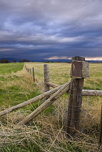 usa storm canon fence landscape scenery unitedstates post natural scenic fortcollins plains larimercounty t2i