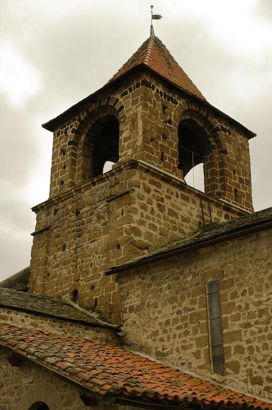 Clocher de église Saint-Maurice de Lavoûte-sur-Loire, Velay, Haute-Loire, France.