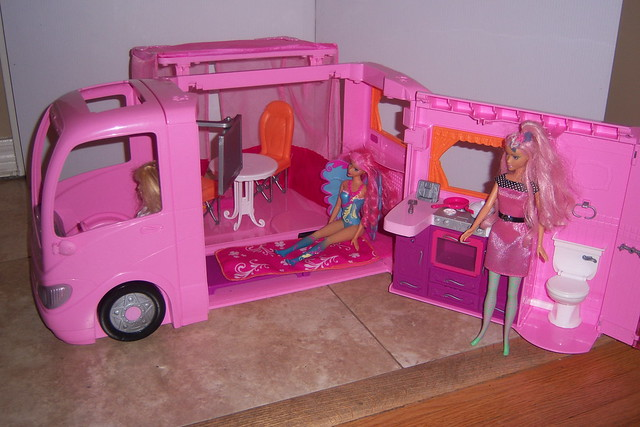 Barbie Camper 2010 Does All Kinds Of Things To Many To