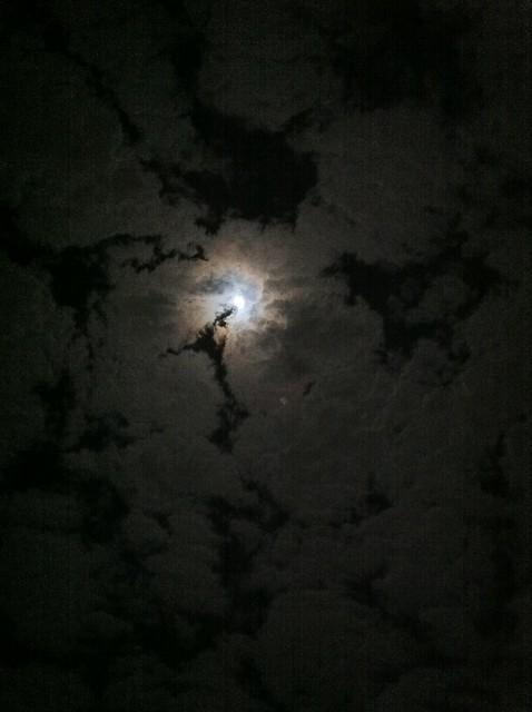 Que bella la luna de hoy en guatemala flickr photo for Hoy hay cambio de luna