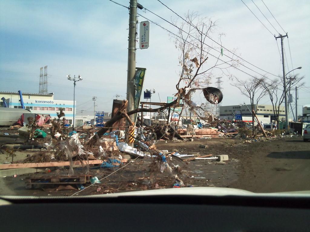 2011.03.13 東日本大震災@仙台新港付近