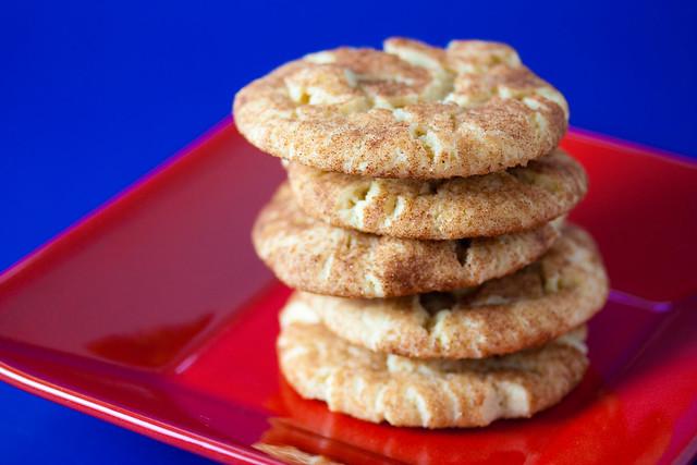 Vegan Macadamia Snickerdoodle Cookies