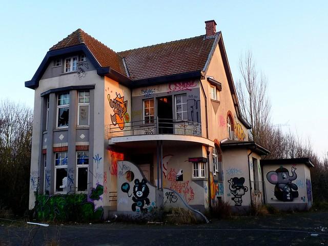 graffiti - streetart | bue | doel . belgium