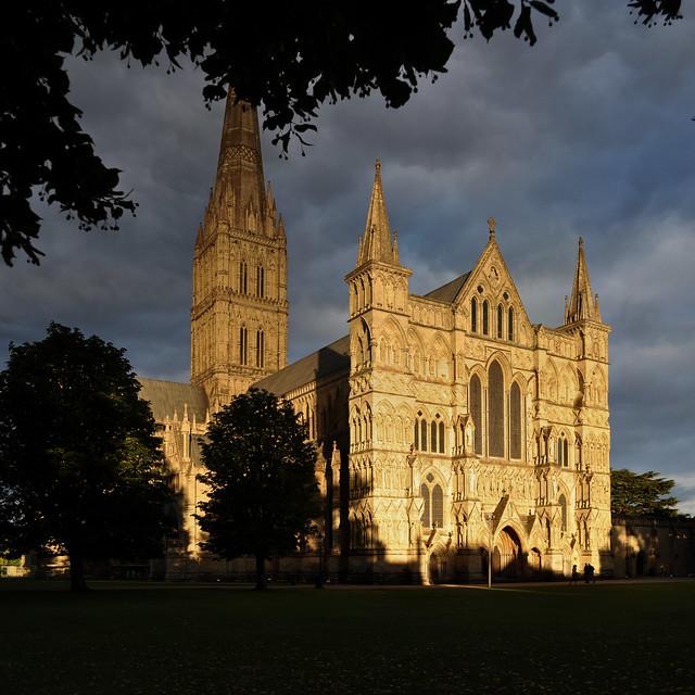 salisbury cathedral - Flickr CC seier