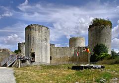 Châteaux et Fortifications