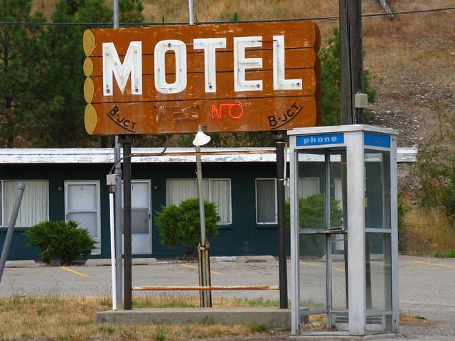 City Lights Motel Tweed