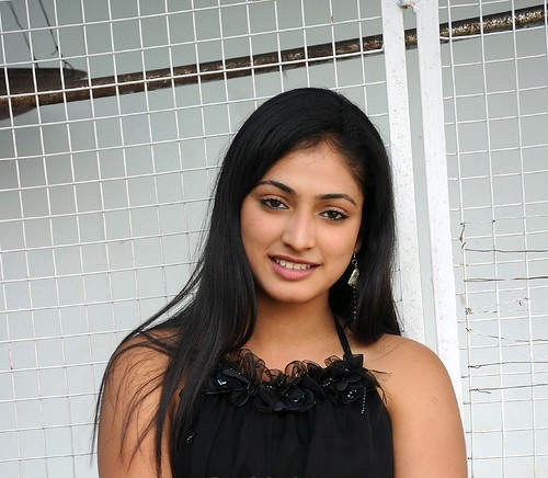 images of bollywood actresses Haripriya charming actress still plus sizes womens