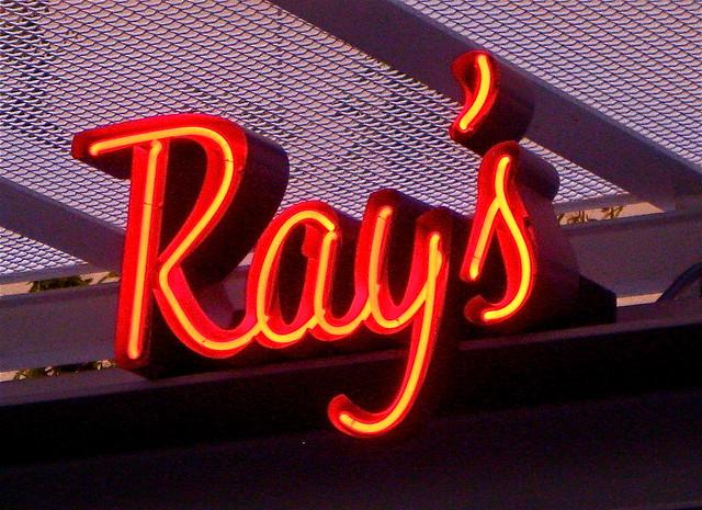 Ray restaurant logo