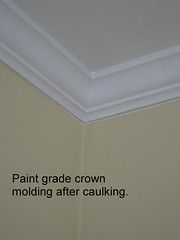 crown-molding-after-caulking