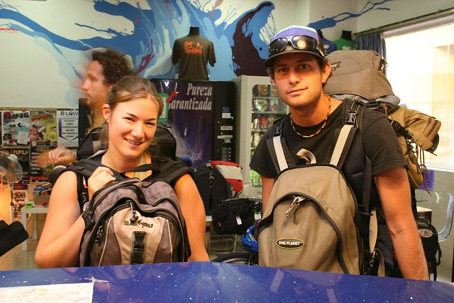 Backpackers staying in a hostel by flickr user oh-barcelona