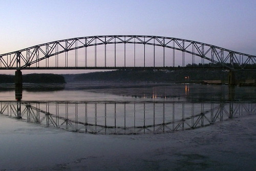 bridge sunrise mississippiriver dubuque